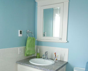 ... The Kids Bath Is Also Remodeled. Again, There Are Custom Cabinets For  The Vanity ...
