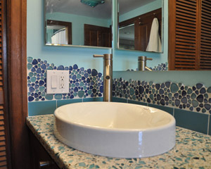 Mostly the bathroom had a case of the uglies: dated tile and fixtures. Ready for a bath remodel Seattle.