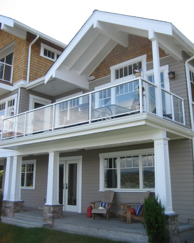 Outdoor projects ventana construction seattle washington for Exterior house design with balcony